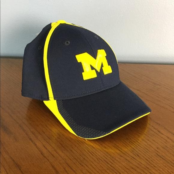 5bc033e9 adidas Accessories | University Of Michigan Hat Baseball L Xl Blue ...